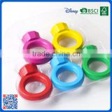 2016 high quality 3D ring shaped 5 colors crayon for school children