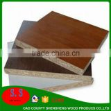 Chinese melamine particle board in sale flakeboard best price / e1 / e2 glue melamine chipboard for kitchen pantry units