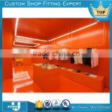 Free standing modern retail clothing store display fixtures
