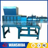Mobile hand operated industrial recyclind tire recycling shredder