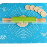 30cm length medium size non-stick silicone rolling pin with wooden handle for kneading dough