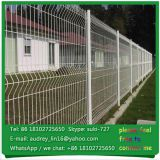 China Guangzhou factory cheap wire fence decorative green vinyl coated welded wire mesh fence