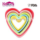 Plastic cookie cutter heart shape 5 pcs set wholesale cookie cutters set heart shape with different color