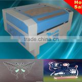 New equipment Low price 100W CO2 Laser engraving cutting machine for leather label jeans advertising gift packaging