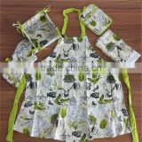Wholesale 5pcs Rural Design Kitchen Set Apron, Pot holder, Oven mitt, Towel and Bread basket
