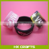 Alibaba Customized logo design love soft rubber fashion silicone finger rings for men,promotion silicone finger ring