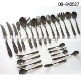 High quality black titanium design with cloth wheel light cutlery set