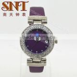 New design quartz leather watch with crystal stones on case