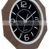 2014 New Design Antique Plastic Quartz Wall Clock
