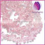 Glass chip beads, pink, small. 34-inch strand.