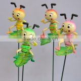 4 inch Plastic Cartoon Ant on Leaves Garden Ornaments, Ant Animal Toy, Cheap Wholesale China Toy