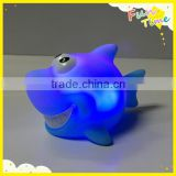 Wholesale children bath toy light blue led shark animal