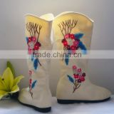 best-selling latest fancy canvas hand embroidered boots