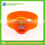 Programmable silicone RFID Wristband for swimming pool, proximity smart RFID wristband price