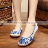 Women Casual Shoes Breathable Lace Chinese Style Floral Embroidered Ladies Cotton Walking Flats Oxford Sole Plain No logos