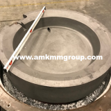 Graphite crucible for metal smelting