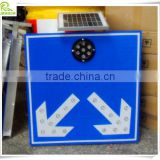 Factory direct aluminum solar LED flashing lane divide arrow safety sign