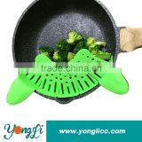 Perfect For Draining Pasta, Vegetables,Dishwasher Safe Colander Pan Strainer Clip-on Green Silicone Pasta Strainer