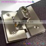 China hot sale Special angle glass door hinge with build -in Closing Mechanisms/ self closing door clamp