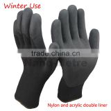 NMSAFETY double liner, 13 gauge black nylon and 7 gauge acrylic liner for winter use dip with latex foam gloves