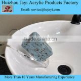 Alibaba Super High Quality wholesale Elegant Acrylic Draining Soap Dish for Bathroom and Kitchen