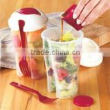 plastic salad shaker/ salad on the go