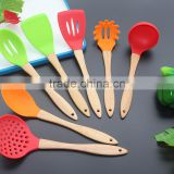 CK-3123 High quality FDA & LFGB 7pcs gadget silicone kitchen cooking tools set eco silicone kitchen utensil set with wood handle