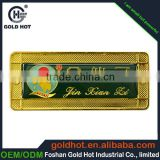 supply copper logo metal plate with characters in gold for souvenir metal name plate sticker