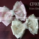 CF0386 2013 New arrival new model wholesale pearl center ivory lace bow for hair