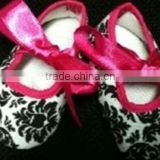 Hot sale ! Damask new bron baby crib shoes