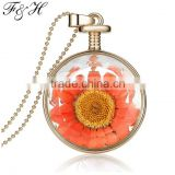 Yiwu Fashion European Jewelry Manufacturer, Dry Flower Glass Locket Pendant Necklace in Stock