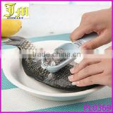 China New Fish Scale Remover Scaler Scraper Cleaner Kitchen Tool Peeler
