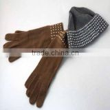 Voguish knit hats and gloves with beads