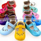 Alibaba New style single cheap baby booties and slippers