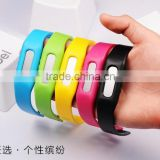 Silicone fitness smart wristband pedometers, cheap waterproof kids pedometer watch, wristband calories pedometer