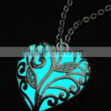 Hot 2015 new style luminous necklace heart of winter frozen forest glow in the dark necklace glow jewelry
