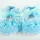 2014 wholesale beautiful voile lace baby shoes with flower
