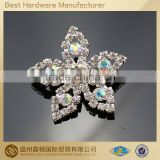 New Design Flower Silver Crystal Rhinestone Brooch White Pearl For Bridal And Wedding Invitations