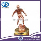 Custom made electroplating metal soccer awards trophy /football sport trophy made in china