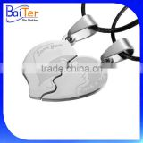 Two Pieces One Pair Stainless Steel Broken Heart Couple Love Pendant Necklace Set For Friend