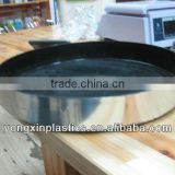 Pastic non-slip clear plastic plating for food serving
