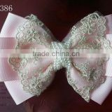 CF0386 2013 New arrival beautiul wholesale pearl center hair bows for babies