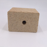 Aldehyde-free eco-friendly wood chip blocks for wood pallet feet