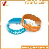 Custom promotional silicone bracelet with logo silver print with metal part can laser logo on it