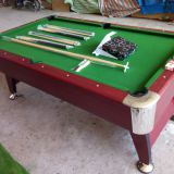 Billiard table/pool table