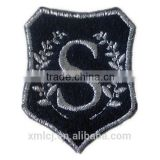 Hot sale custom design stich backing embroidered patches with no minimum order limit