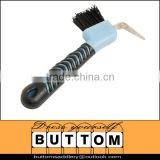 Horse hoof pick Plastic Horse hoof pick with synthetic stiff bristles,rubber grip handle