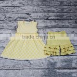 Zhihao Classic Design Light Yellow Baby Girls Smocked Dress Set Icing Shorts Quadrifoglio Pattern 2pcs Clothing Set Wholesale