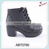 Latest woman majorette insolent chunky heel ankle work boots with shoelace