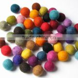 eco friendly new products promotional gift wholesale ornaments fabric handmade felt balls on alibaba express